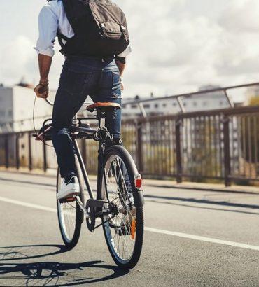 Adopter le vélo tout chemin pour les balades en ville